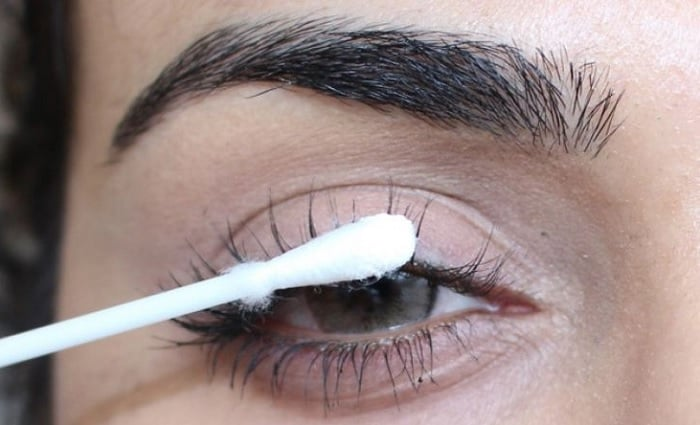 How to Use Argan Oil for Eyelashes