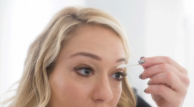 How to use vaseline to get thicker brows
