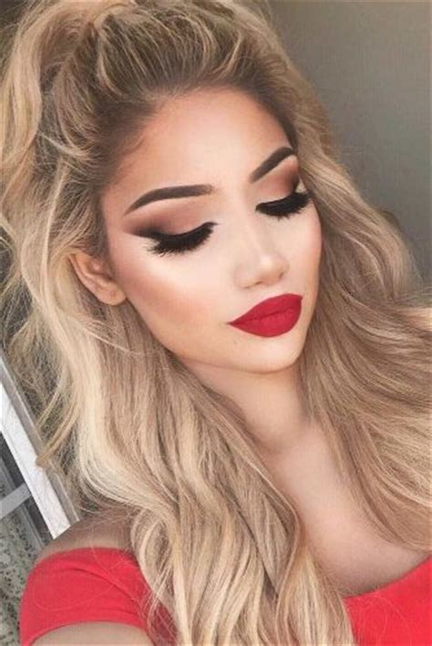 smokey eye makeup to go with red dress