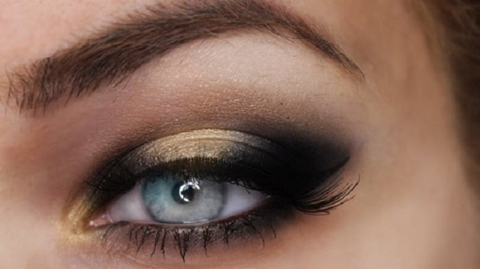 Black Eyeshadow with Golden Halo Effect