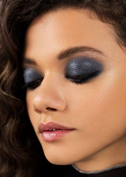 chic black eye makeup look