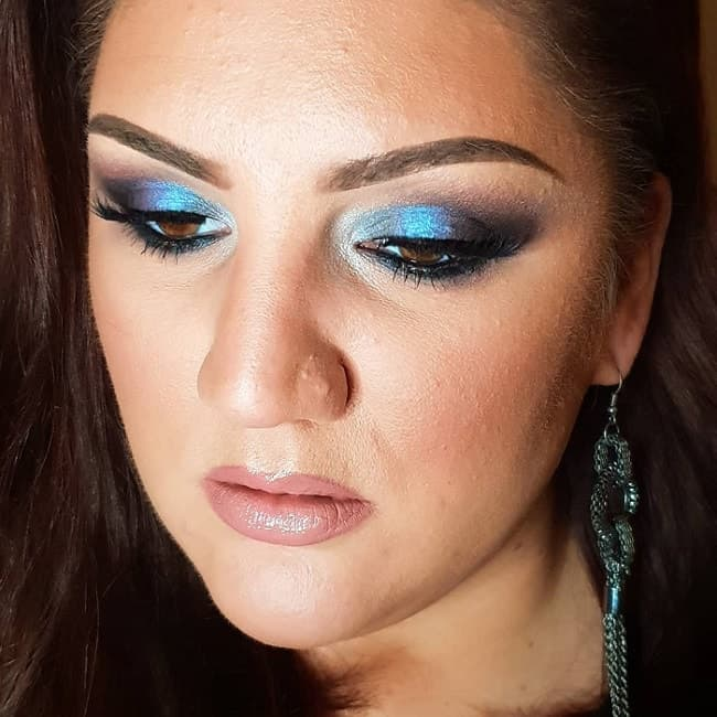 blue eyeshadow for dark brown eyes
