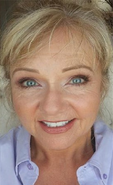 older women with natural eye makeup