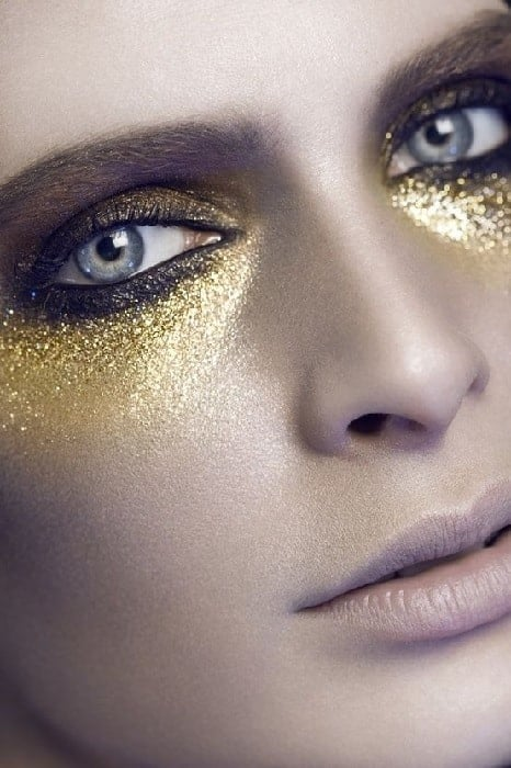 glittery gold eye makeup
