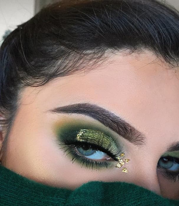 green glitter eyeshadow look for women