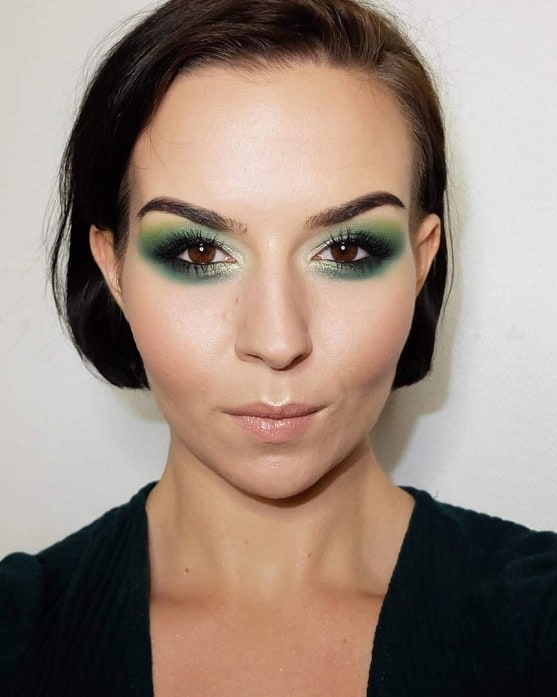 makeup with green eyeshadow