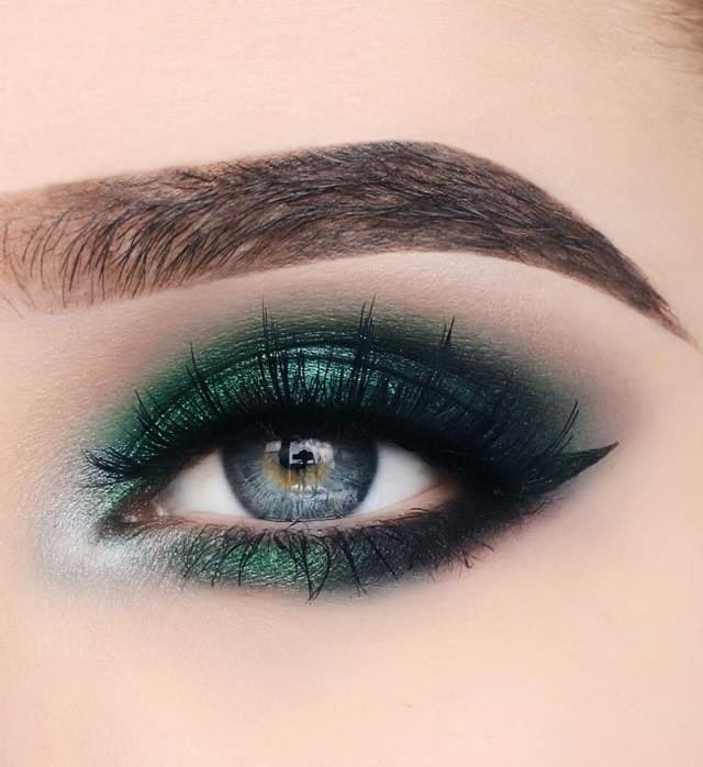 dark green eyeshadow for women