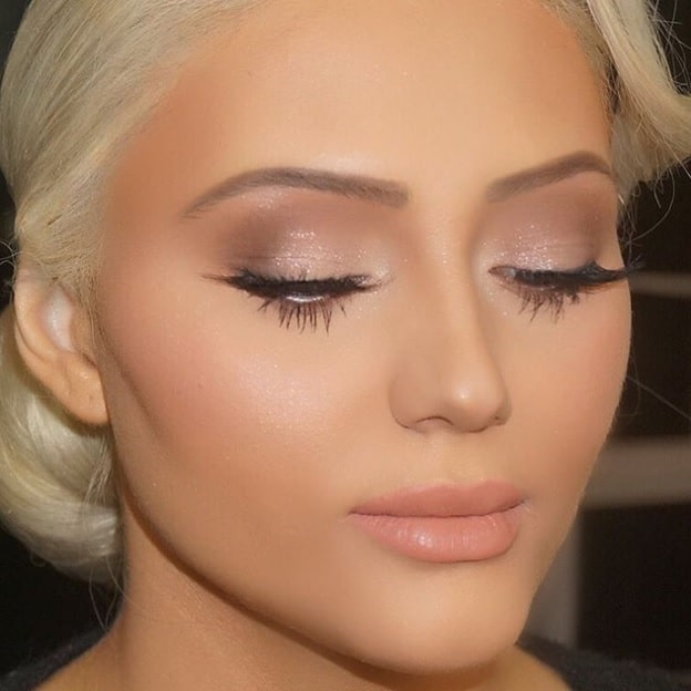 shiny light makeup for women