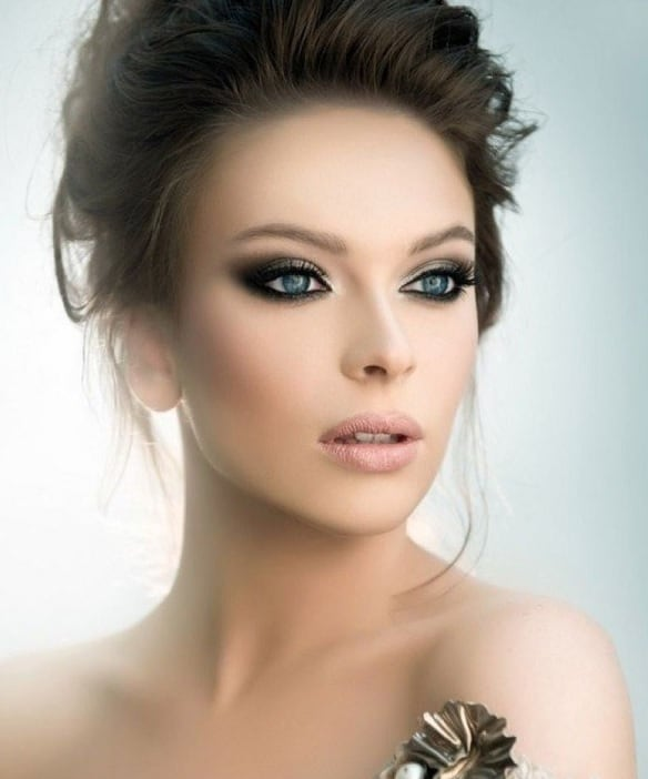 smokey eye look for women with small eyes