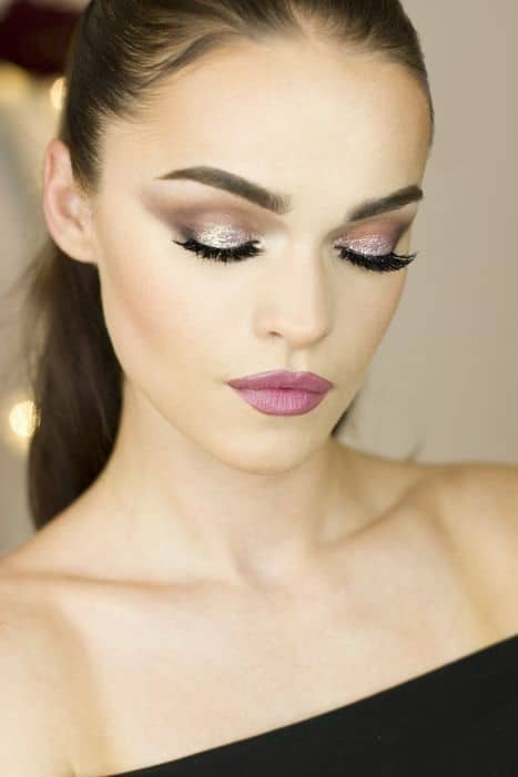 shiny smokey eye makeup for black dress