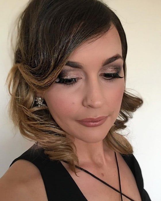 makeup with nude lips for black dress