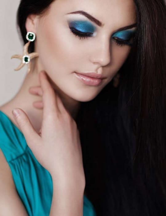 makeup for turquoise blue dress