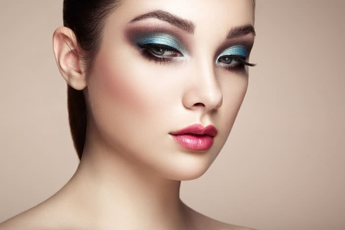 blue ombre eyeshadow for women