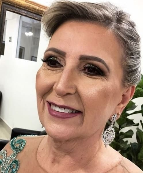 smokey eye makeup for 70 year old women