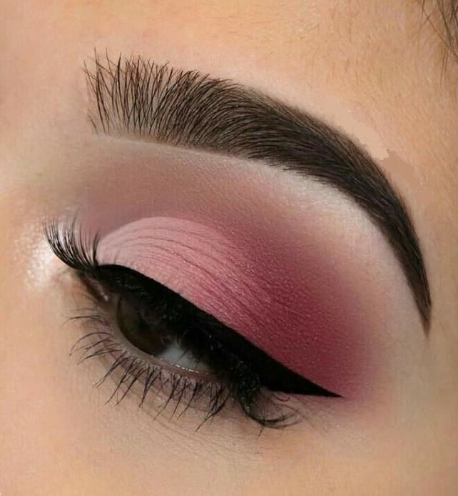 pink matte eyeshadow look